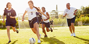 Female soccer players suffer the most concussions in high